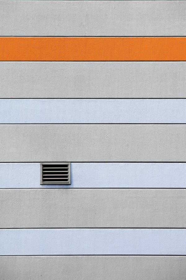 Σύστημα εξαερισμού σε έναν τοίχο στοκ φωτογραφία