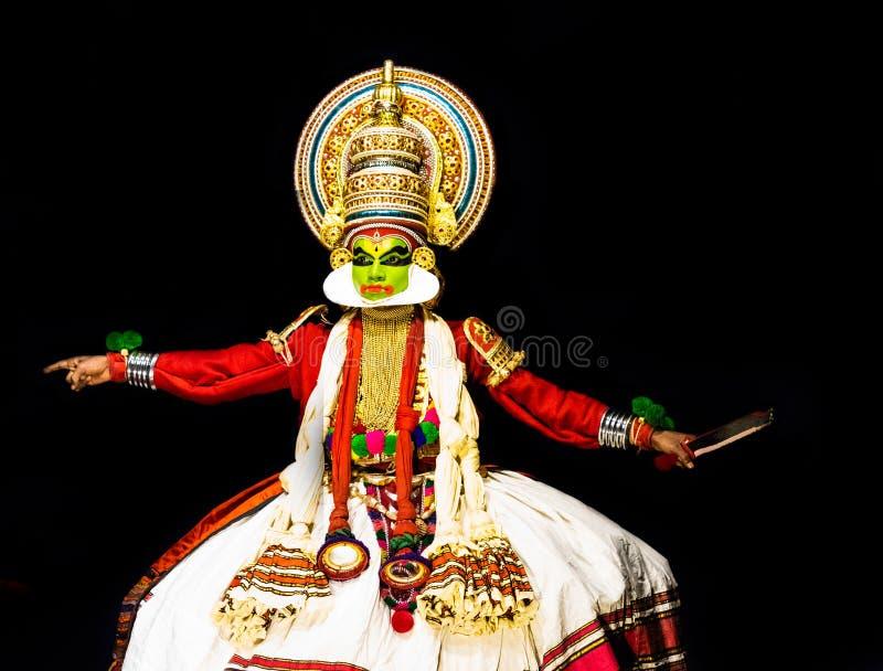 Σώμα και έκφραση του προσώπου των κλασσικών ατόμων χορού του Κεράλα Kathakali στοκ φωτογραφίες