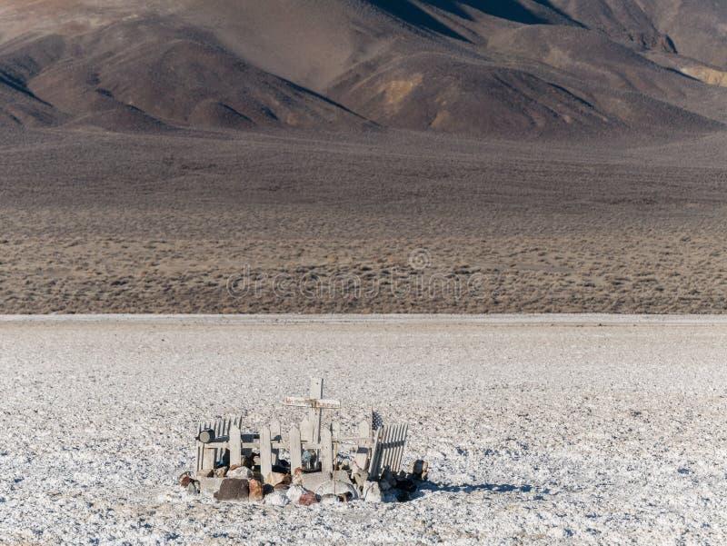 Τάφος πρωτοπόρων στην έρημο στοκ εικόνες με δικαίωμα ελεύθερης χρήσης