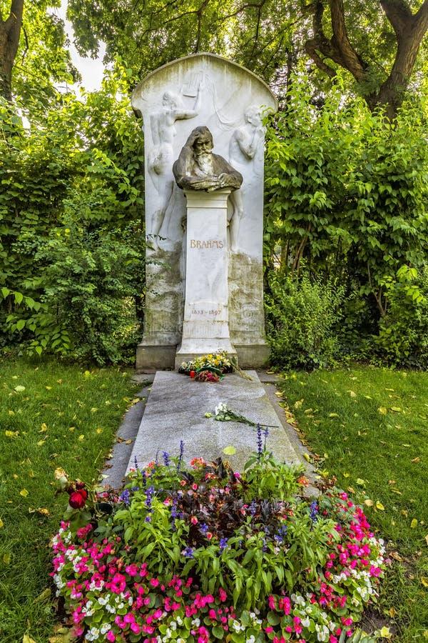 Τάφος του συνθέτη Johannes Brahms στο νεκροταφείο στη Βιέννη στοκ εικόνα με δικαίωμα ελεύθερης χρήσης