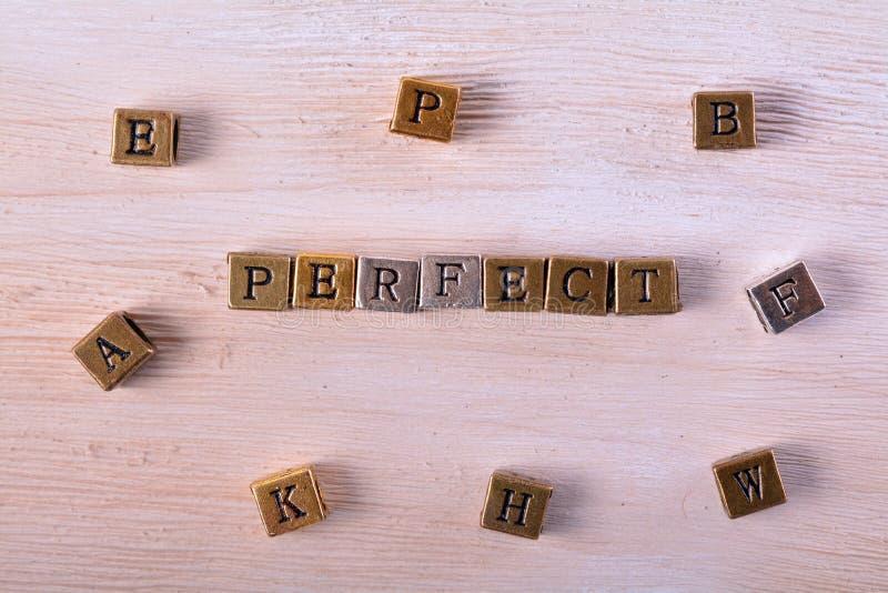 Τέλειος φραγμός μετάλλων λέξης στοκ φωτογραφία με δικαίωμα ελεύθερης χρήσης