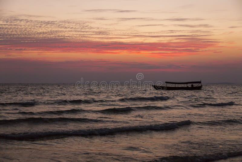 Τέλος της ημέρας στη θάλασσα στοκ φωτογραφίες με δικαίωμα ελεύθερης χρήσης