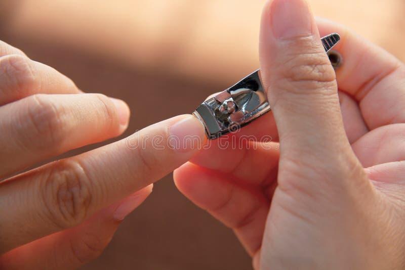 τέμνοντα νύχια σας στοκ φωτογραφίες με δικαίωμα ελεύθερης χρήσης
