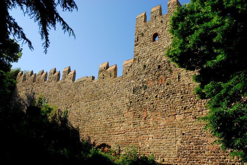 Τέντωμα των αρχαίων τοίχων πόλεων στην κωμόπολη Monselice στην επαρχία της Πάδοβας στο Βένετο (Ιταλία) στοκ φωτογραφία με δικαίωμα ελεύθερης χρήσης