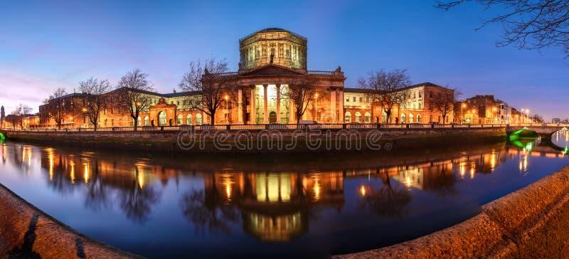 Τέσσερα δικαστήρια, Δουβλίνο, Ιρλανδία στοκ εικόνα