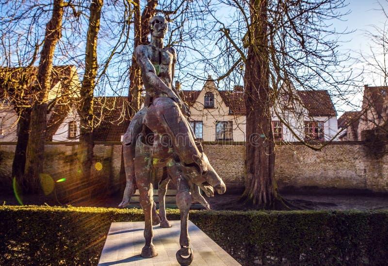 Τέσσερις ιππείς του αγάλματος αποκάλυψης στη Μπρυζ, Βέλγιο στοκ φωτογραφία με δικαίωμα ελεύθερης χρήσης