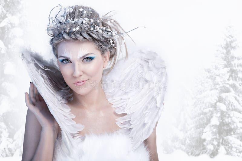 τέχνης δημιουργικός χειμώνας βασίλισσας makeup μόδας υψηλός βασικός στοκ εικόνες