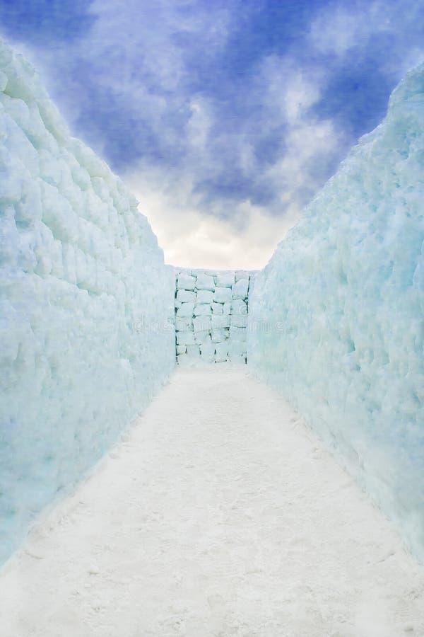 Τέλος λαβυρίνθου χιονιού στοκ φωτογραφία με δικαίωμα ελεύθερης χρήσης