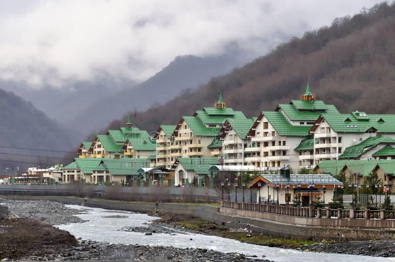 Τακτοποίηση εξοχικών σπιτιών σε Krasnaya Polyana, Sochi, Ρωσία στοκ φωτογραφία με δικαίωμα ελεύθερης χρήσης