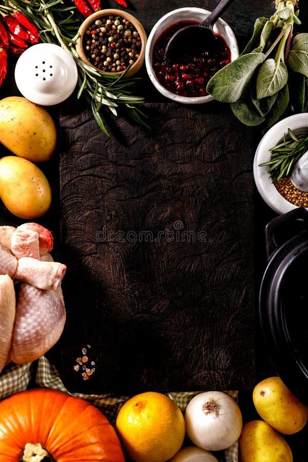 Τακτοποιημένα συστατικά και λαχανικά στοκ φωτογραφία