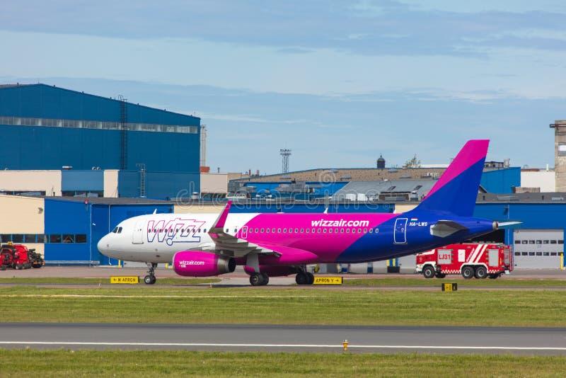 Ταλίν, Εσθονία - 3 Ιουνίου 2019: Αεροσκάφη εκτάριο-LWS airbus A320-232 στοκ φωτογραφία