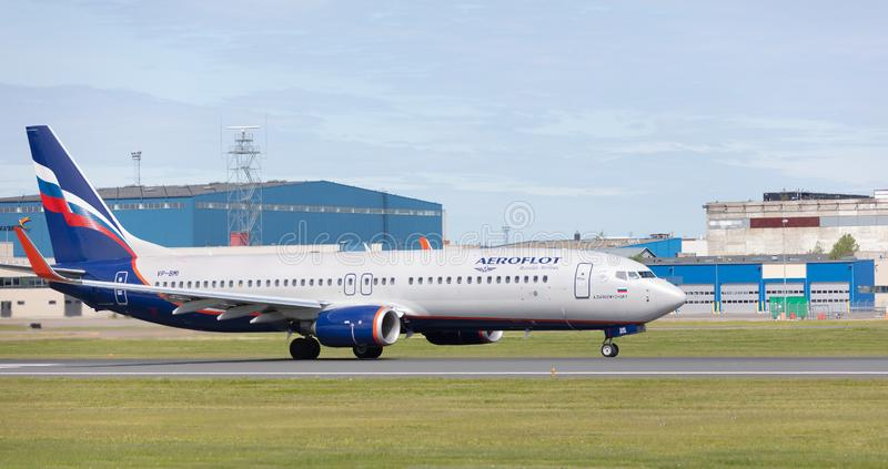 Ταλίν, Εσθονία - 3 Ιουνίου 2019: το αεροσκάφος Boeing 737-8MC vp-BMI απογειώνεται από τον αερολιμένα Talinn στοκ εικόνα με δικαίωμα ελεύθερης χρήσης