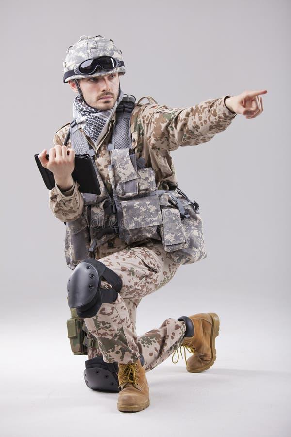 ταμπλέτα στρατιωτών υπολογιστών στοκ φωτογραφία με δικαίωμα ελεύθερης χρήσης