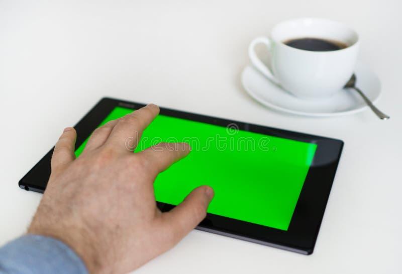 ταμπλέτα PC χεριών σχετικά με στοκ φωτογραφία με δικαίωμα ελεύθερης χρήσης