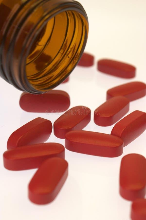 Download ταμπλέτες στοκ εικόνες. εικόνα από ακόμα, υγεία, χάπι, κόκκινος - 386790
