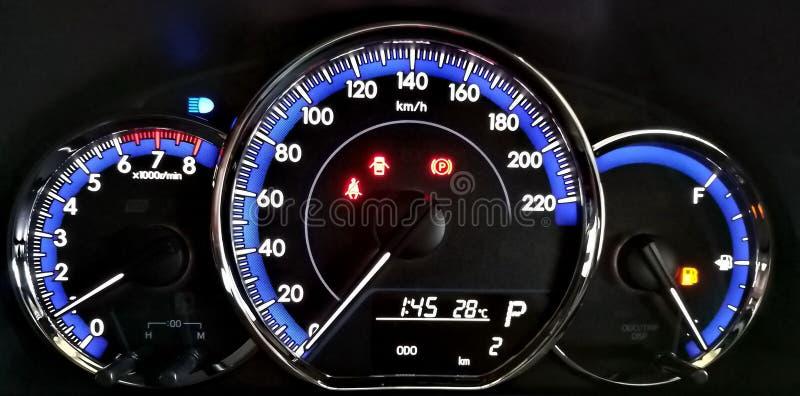 Ταμπλό αυτοκινήτων, σημάδι έκτακτης ανάγκης στοκ εικόνες με δικαίωμα ελεύθερης χρήσης