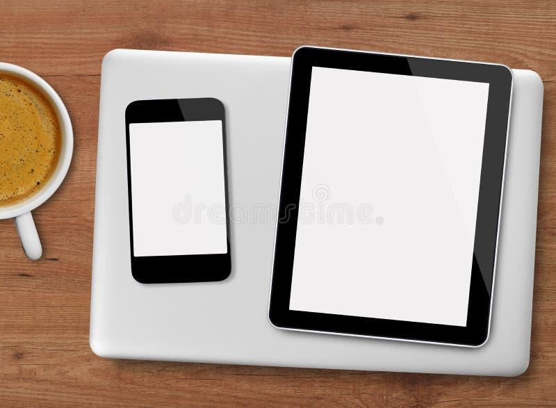 Ταμπλέτα, lap-top, κινητό τηλέφωνο στοκ εικόνα με δικαίωμα ελεύθερης χρήσης