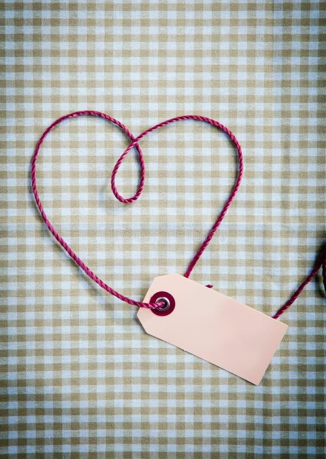 τανυσμένο πορφυρό νήμα καρδιών στοκ φωτογραφίες με δικαίωμα ελεύθερης χρήσης