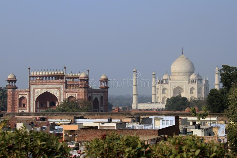 Ταξίδι Ινδία: Taj Mahal και νότια πύλη σε Agra στοκ φωτογραφία με δικαίωμα ελεύθερης χρήσης