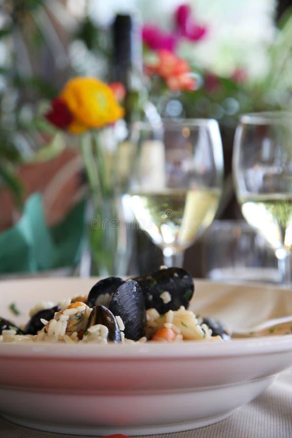 Ταξίδι Ιταλία: εύγευστο risotto για το μεσημεριανό γεύμα στοκ εικόνες με δικαίωμα ελεύθερης χρήσης