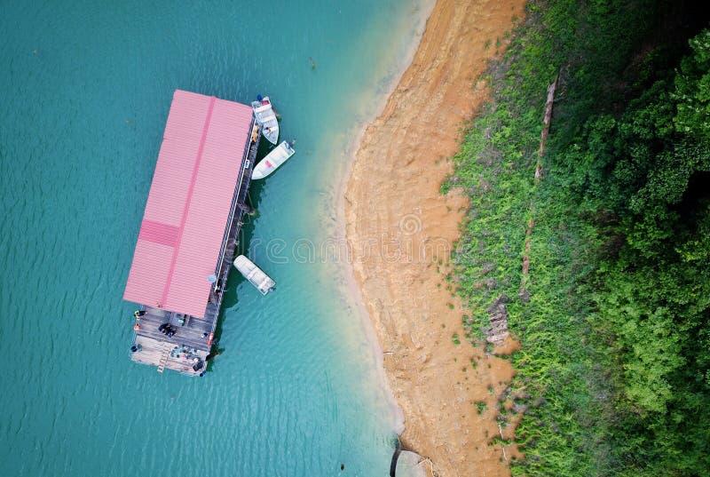 Ταξίδι με το boathouse στοκ φωτογραφία με δικαίωμα ελεύθερης χρήσης
