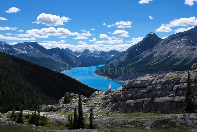 Ταξίδι στα καναδικά δύσκολα βουνά στοκ φωτογραφίες με δικαίωμα ελεύθερης χρήσης