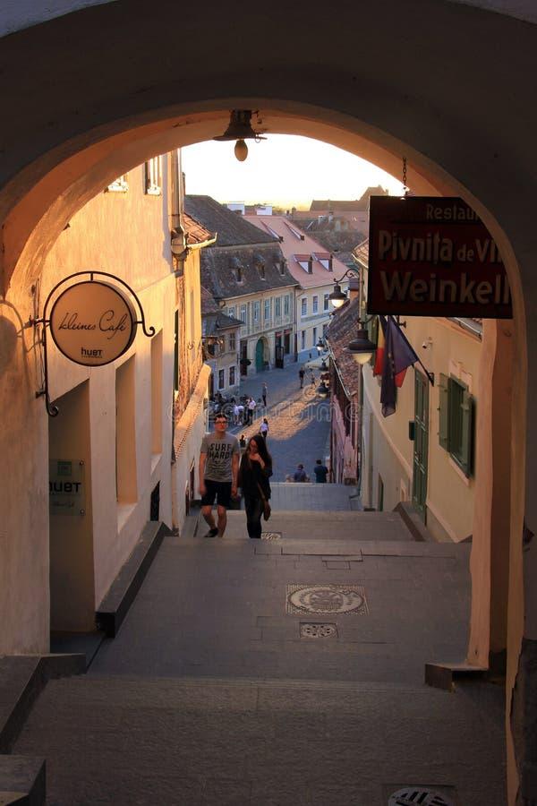Ταξίδι στο Sibiu, παλαιά σκαλοπάτια και arcades στοκ φωτογραφία με δικαίωμα ελεύθερης χρήσης