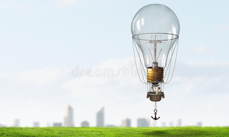Ταξίδι ατόμων στο αερόστατο στοκ εικόνα