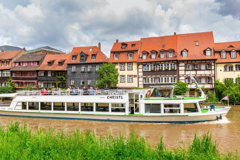 Ταξίδι βαρκών επίσκεψης στον ποταμό Regnitz στη Βαμβέργη στοκ εικόνα με δικαίωμα ελεύθερης χρήσης