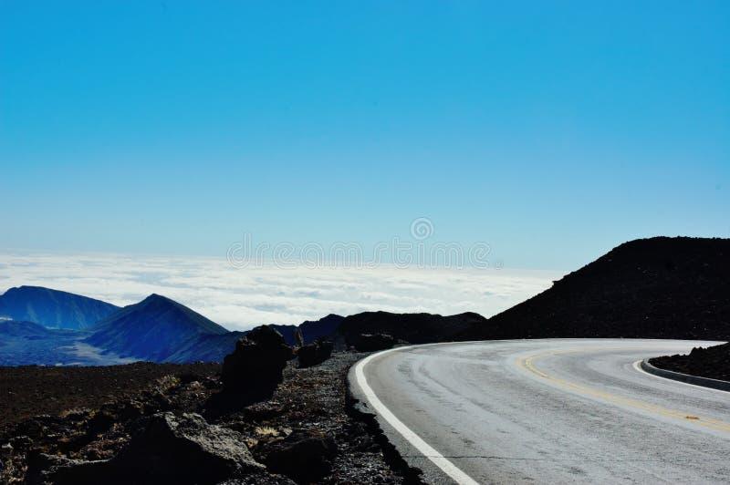 Ταξίδι επάνω από τα σύννεφα στο εθνικό πάρκο haleakala στοκ εικόνες