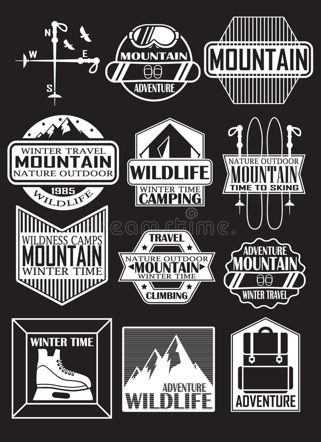 Ταξίδι στα βουνά, αυτοκόλλητες ετικέττες σχεδίου στο θέμα των βουνών, χιονοδρομικά κέντρα στοκ φωτογραφία με δικαίωμα ελεύθερης χρήσης