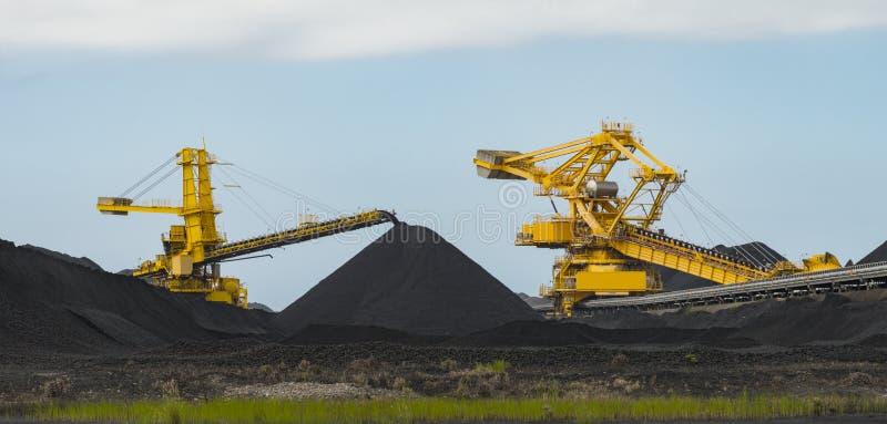 Ταξινομώντας εξοπλισμός άνθρακα στοκ εικόνες