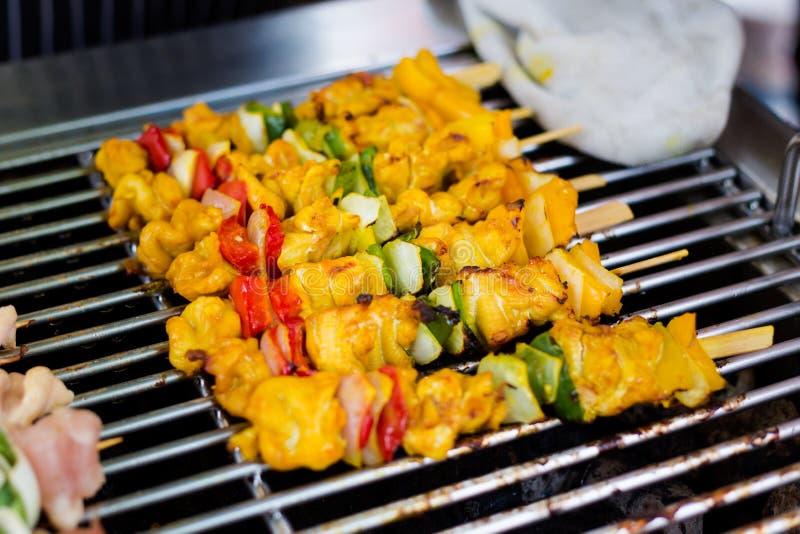 Ταϊλανδικά οβελίδια λαχανικών και χοιρινού κρέατος στοκ εικόνα