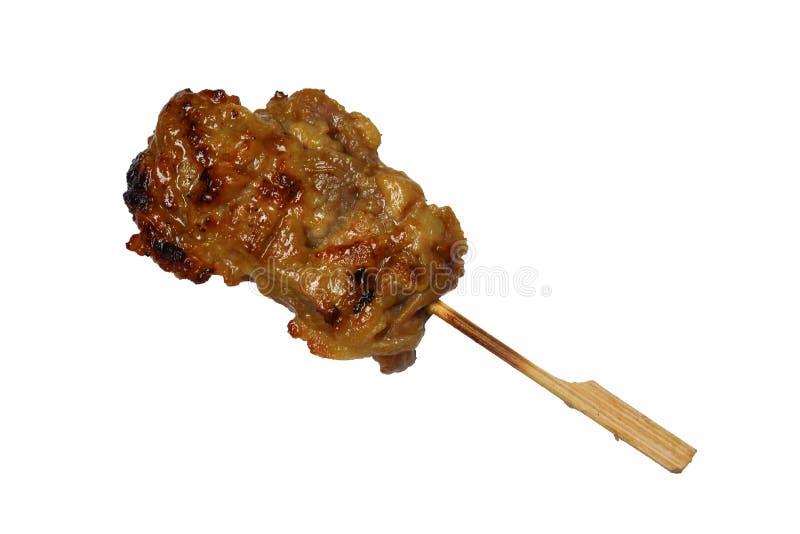 Ταϊλανδικά τρόφιμα οδών, ψημένο στη σχάρα χοιρινό κρέας που απομονώνεται στο άσπρο υπόβαθρο στοκ φωτογραφία