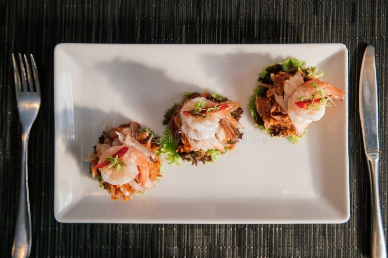 Ταϊλανδική Pomelo σαλάτα με τις γαρίδες ή το SOM Ο Yum στοκ εικόνες