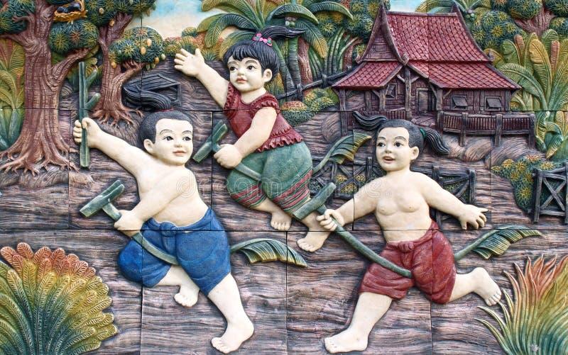 ταϊλανδικός τοίχος ναών στόκων καλλιέργειας εγγενής στοκ εικόνα