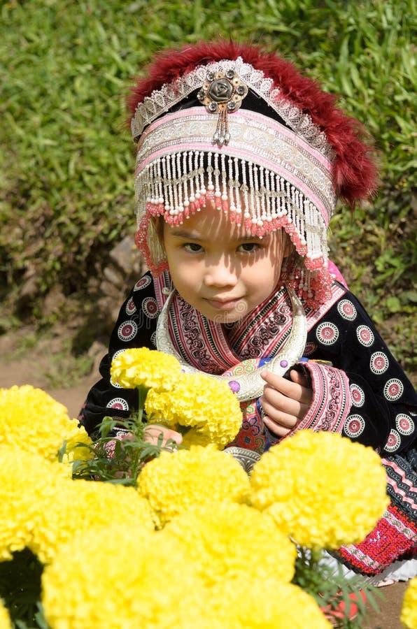 Ταϊλανδικό κοστούμι ένδυσης κοριτσιών παραδοσιακό του εθνικού hmong στοκ εικόνες