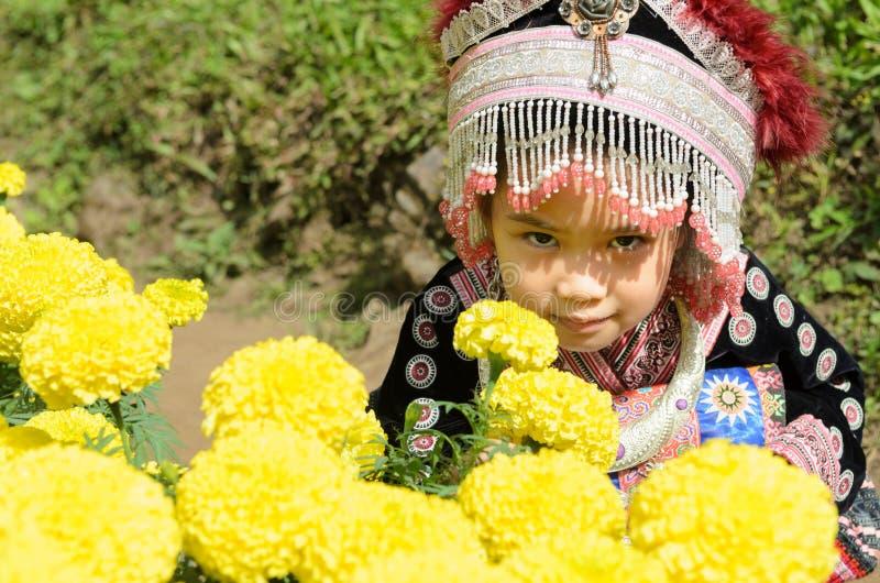 Ταϊλανδικό κοστούμι ένδυσης κοριτσιών παραδοσιακό του εθνικού hmong στοκ φωτογραφία με δικαίωμα ελεύθερης χρήσης