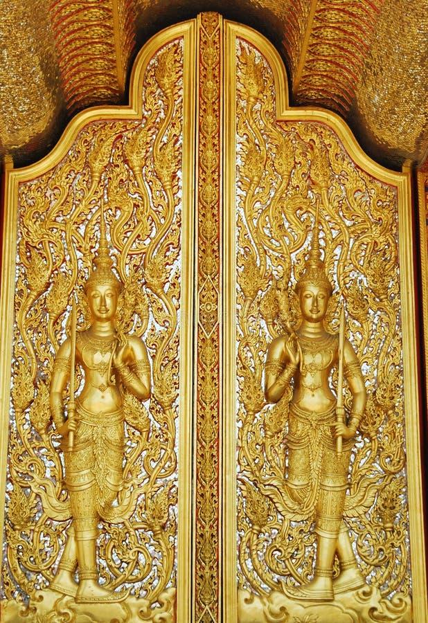 ταϊλανδικό παράθυρο ναών τέχνης χρυσό στοκ εικόνες με δικαίωμα ελεύθερης χρήσης