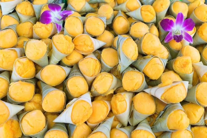 Ταϊλανδικό παραδοσιακό επιδόρπιο favarite, γλυκό γούστο δ κέικ φοινικών χυμού φοινικόδεντρου στοκ εικόνες