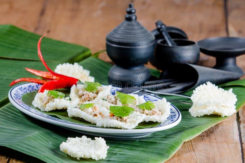 Ταϊλανδική κροτίδα ρυζιού στοκ εικόνες