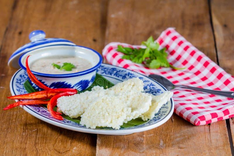 Ταϊλανδική κροτίδα ρυζιού στοκ εικόνα