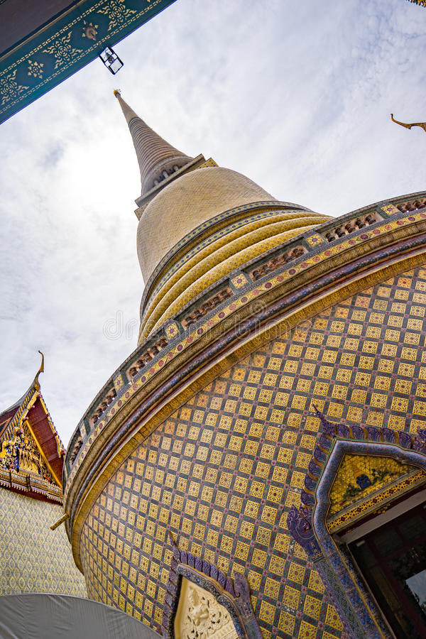 Ταϊλανδική παγόδα ναών Wat Ratchabophit στοκ φωτογραφία με δικαίωμα ελεύθερης χρήσης
