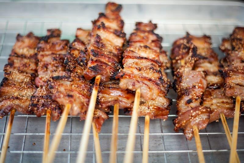 Ταϊλανδική σχάρα χοιρινού κρέατος οβελιδίων στοκ φωτογραφία
