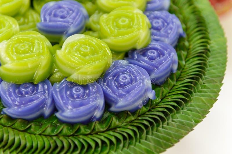 Ταϊλανδικό επιδόρπιο Khanom Chan κέικ στρώματος γλυκό στη ροδαλή μορφή στοκ φωτογραφίες με δικαίωμα ελεύθερης χρήσης
