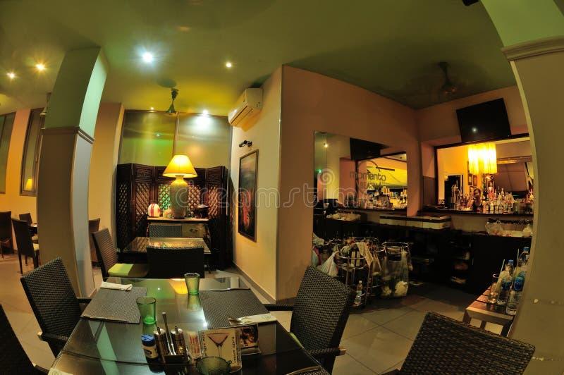 Download Ταϊλανδικό εσωτερικό σχέδιο εστιατορίων Εκδοτική Εικόνες - εικόνα από άνθρωποι, ξενοδοχείο: 62715246