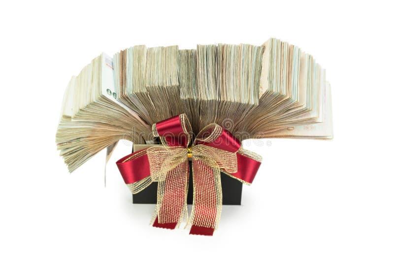 Ταϊλανδικό μπατ τραπεζογραμματίων 1000 στο κιβώτιο δώρων για την επιχείρηση, τραπεζικές εργασίες, BO στοκ εικόνα
