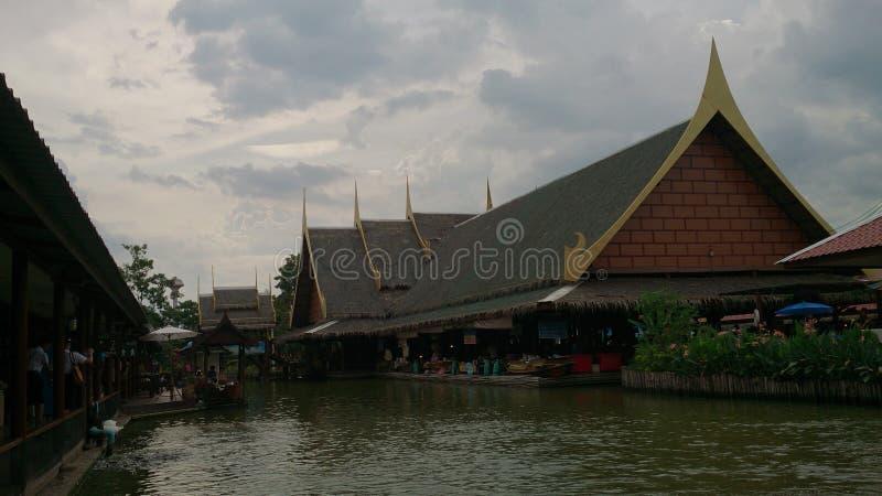 ταϊλανδικό νερό κτηρίου στοκ εικόνα