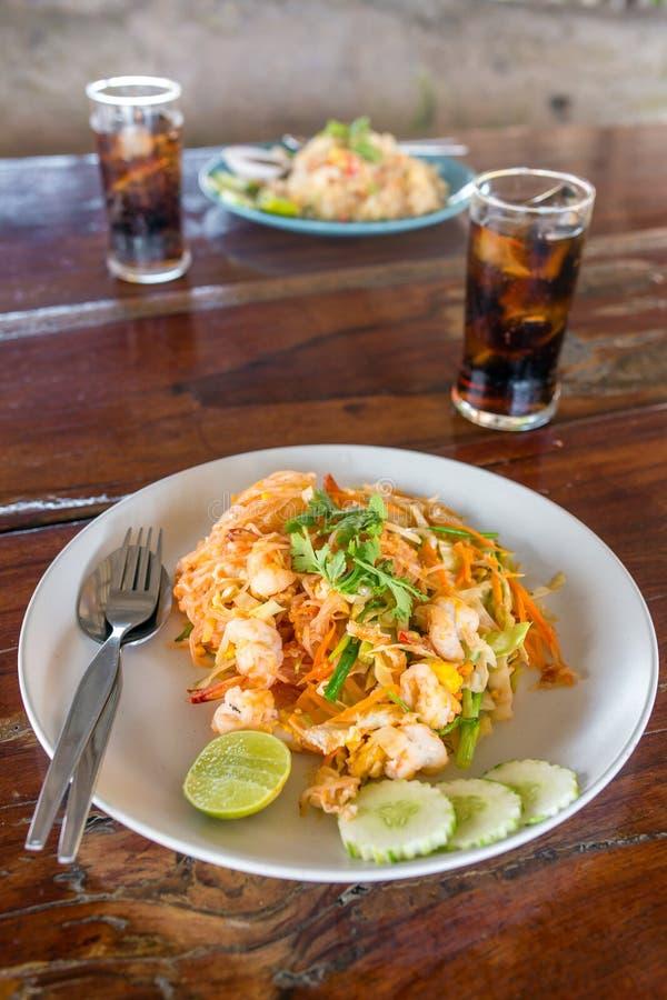 Ταϊλανδικό ταϊλανδικό kung μαξιλαριών τροφίμων στοκ φωτογραφία