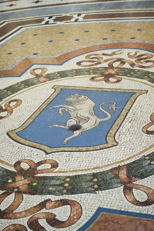 Ταύρος μωσαϊκών στο πάτωμα του Vittorio Emanuele Gallery, Μιλάνο στοκ εικόνα με δικαίωμα ελεύθερης χρήσης